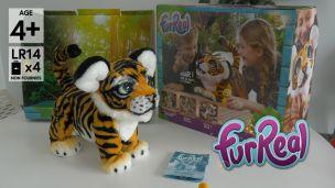 On a joué avec la peluche tigre FurReal Friends
