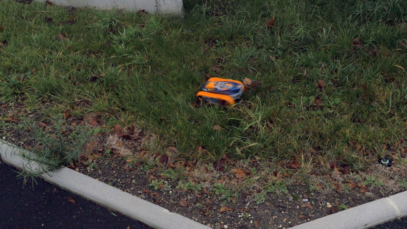 Nikko velocitrax pro comparer avec - Changer telecommande orange ...
