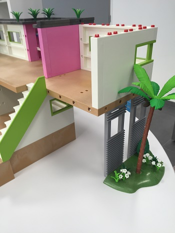 Playmobil 5586 city life studio des invit s comparer for Prix salle de bain playmobil